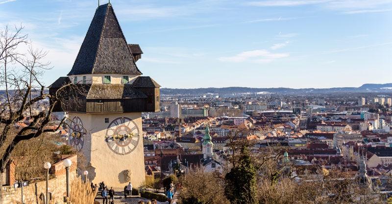 Das Wahrzeichen der Stadt Graz - Der Schloßberg