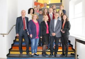 Landes-Gleichbehandlungsbeauftragte Sabine Schulze Bauer (3.v.l.) und Behindertenanwalt Siegfried Suppan (4.v.l.) mit den Teilnehmern der österreichweiten Konferenz. © Fotos: steiermark.at/Jammernegg